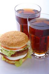 Bibita con hamburger