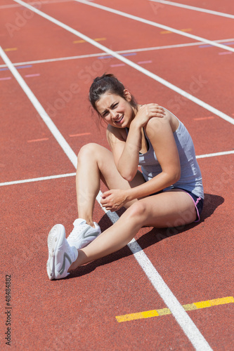 Runner with shoulder injury