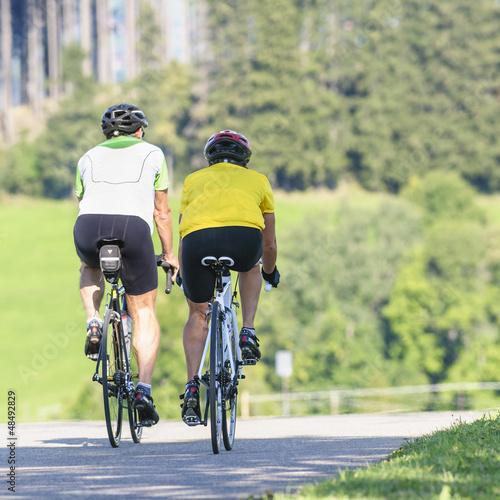 bergab rollen mit dem Rennrad