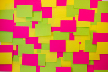 Post-it notes of different colors