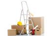 kartons und werkzeug vom umzug