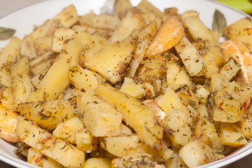 potatoes fried with herbs
