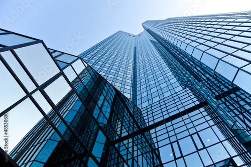 Foto op Aluminium Aan het plafond Bürogebäude - Bank in Frankfurt