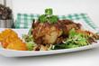 gebratene Wachteln mit Salat