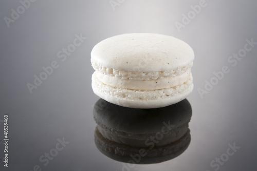 Vanilla Macaron