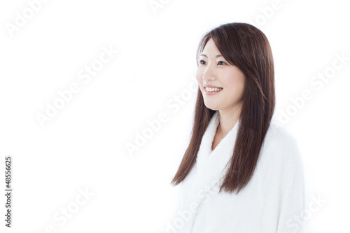 バスローブを着た女性