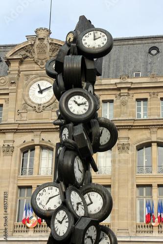 L'Heure de Tous monument, Saint-Lazare train station, Paris