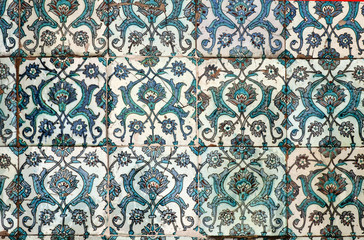 Ancient decorative wall tiles in  the Topkapi Palace.