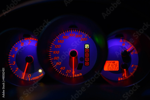 Speedometer, tachometer and fuel by night