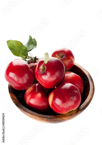 Ripe red apples in a bowl