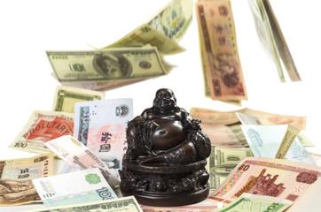 Хотей Будда привлекает денежные богатства