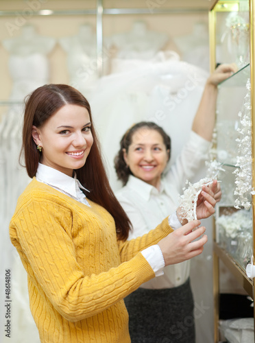 women  chooses bridal accessories