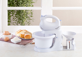 Electric mixer machine with weight scale for bake your bread