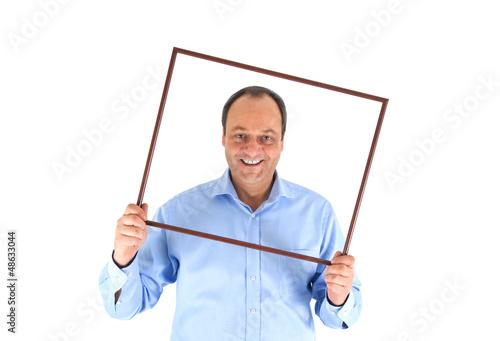 Mann mit Rahmen