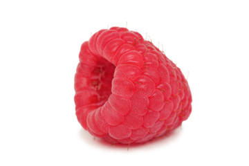 One ripe raspberry (isolated)