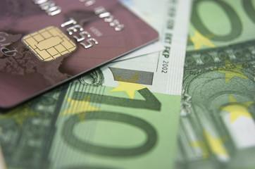 Economía, tarjeta de crédito, billetes de euro