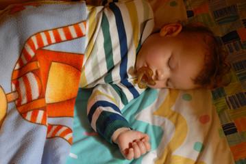 Niño durmiendo,bebé durmiendo.