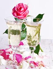 Valentinstag, Hochzeitstag, Antrag: Romantische Einladung