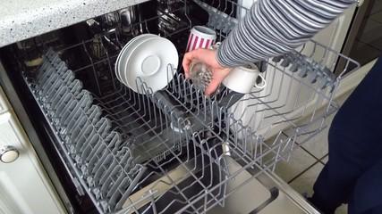Spülmaschine ausräumen
