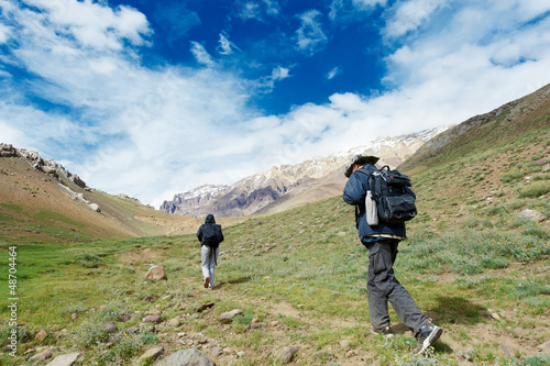 two tourist hiking in india mountains