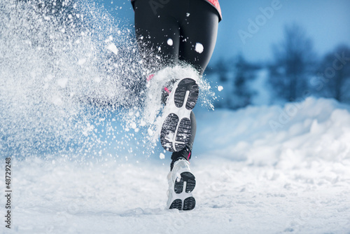 Leinwandbild Motiv Winter running woman