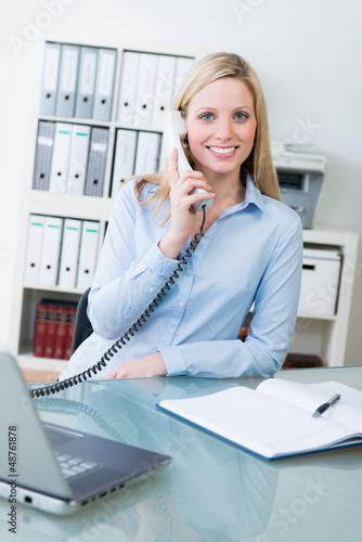 freundlicher telefonempfang