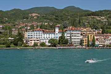 Gardone Riviera, Lago di Garda