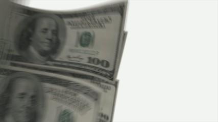 цикличное движение 100 долларов