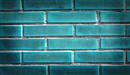 Backsteinwand grün-blau spot