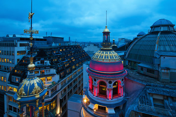 Nachtfoto von Pariser Dächern