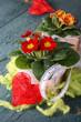 Blumendekoration mit Herz und Copyspace