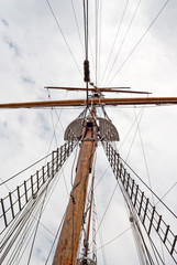 Mast of the vintage sail ship