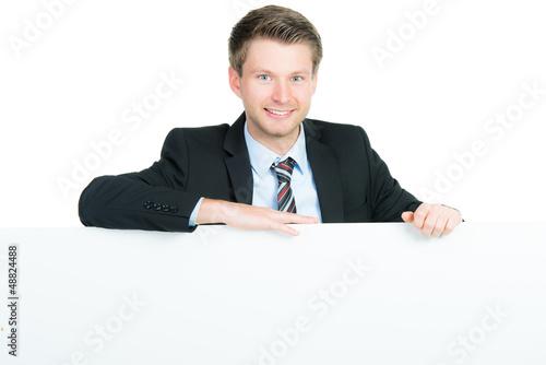 businessmann mit werbetafel