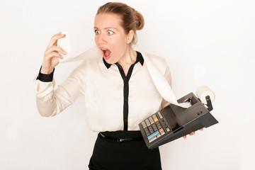 Geschäftsfrau mit Rechnung
