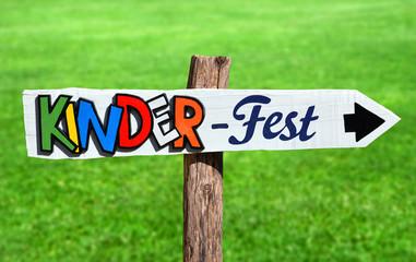 Kinderfest Schild Garten Party Einladung