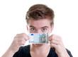 Teenager mit 5 Euro Schein