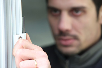 Man fitting new upvc windows