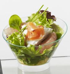 Coupe salade saumon agrume