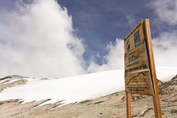 Glacier Volcano Nevado del Ruiz signboard. Los Nevados Parque Na