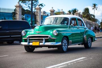 Karibik Kuba Havanna Oldtimer auf der Strasse