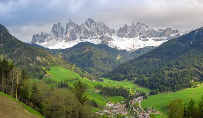 Villnösser Tal / Val di Funes in spring