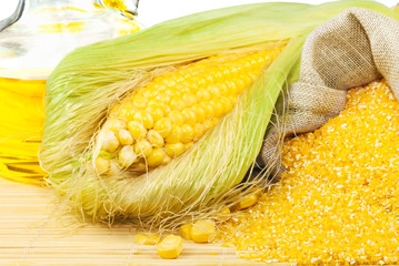 Composition from corn, maize flour and corn oil