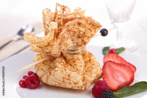 pancake with berries