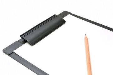 クリップボードと鉛筆
