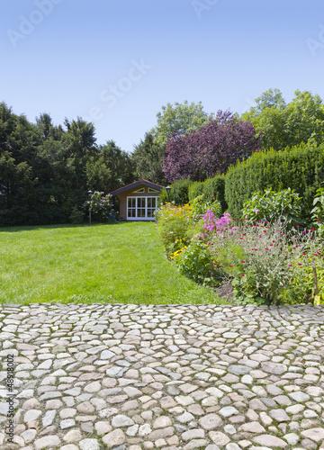 Garden terrace - 48918002