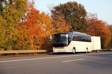 Busreise im Herbst