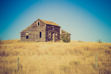 old house at sunset  - Drumheller Alberta - LOMO