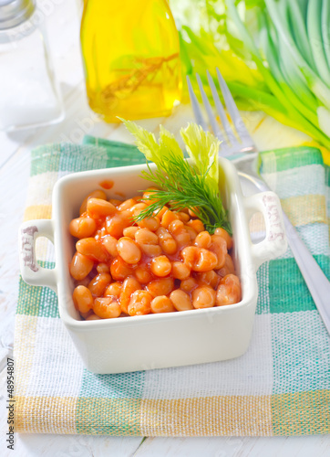 white bean with tomato sauce