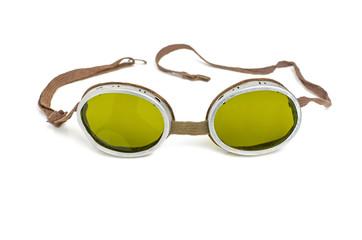 alte Schutzbrille mit grün getönten Gläsern