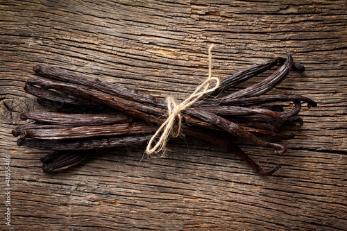 tied vanilla pods